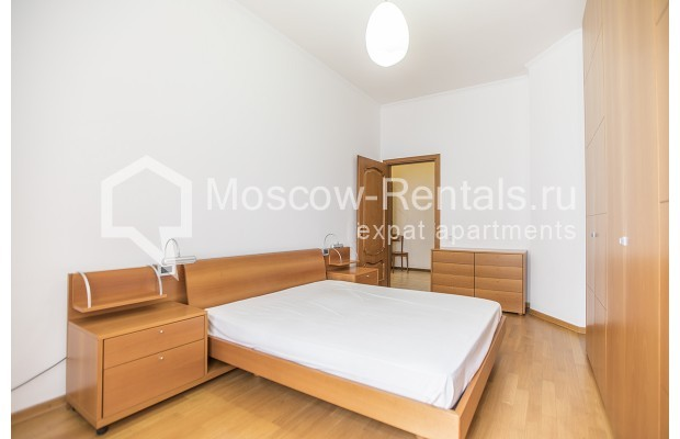 """Photo #8 4-room (3 BR) apartment for <a href=""""http://moscow-rentals.ru/en/articles/long-term-rent"""" target=""""_blank"""">a long-term</a> rent  in Russia, Moscow, Brusov lane, 2/14С4"""