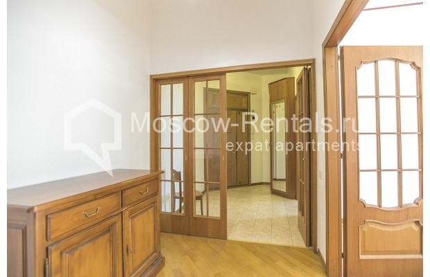 """Photo #6 4-room (3 BR) apartment for <a href=""""http://moscow-rentals.ru/en/articles/long-term-rent"""" target=""""_blank"""">a long-term</a> rent  in Russia, Moscow, Brusov lane, 2/14С4"""