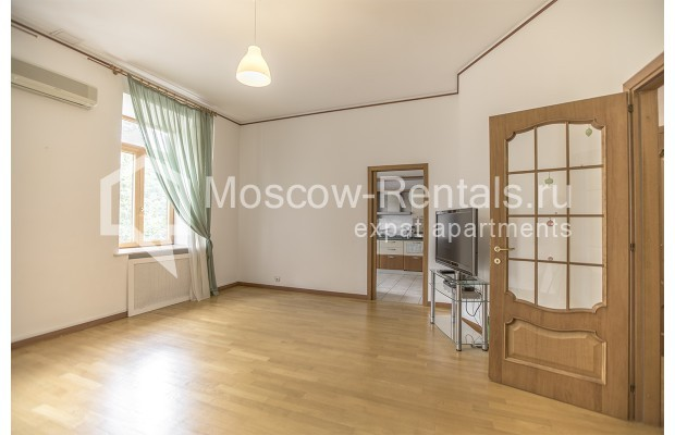 """Photo #2 4-room (3 BR) apartment for <a href=""""http://moscow-rentals.ru/en/articles/long-term-rent"""" target=""""_blank"""">a long-term</a> rent  in Russia, Moscow, Brusov lane, 2/14С4"""