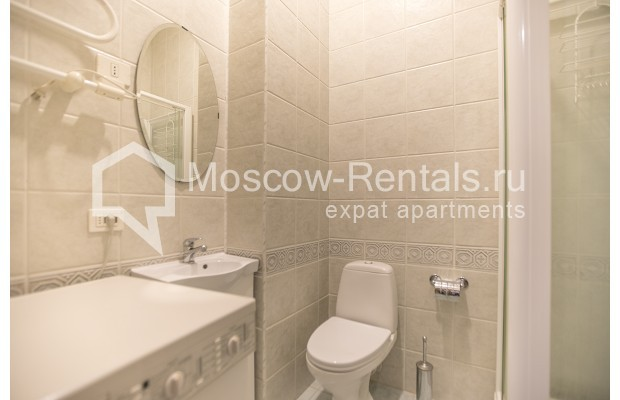 """Photo #9 4-room (3 BR) apartment for <a href=""""http://moscow-rentals.ru/en/articles/long-term-rent"""" target=""""_blank"""">a long-term</a> rent  in Russia, Moscow, Brusov lane, 2/14С4"""
