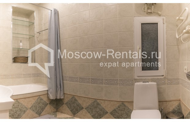 """Photo #10 4-room (3 BR) apartment for <a href=""""http://moscow-rentals.ru/en/articles/long-term-rent"""" target=""""_blank"""">a long-term</a> rent  in Russia, Moscow, Brusov lane, 2/14С4"""