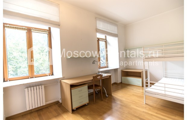 """Photo #13 4-room (3 BR) apartment for <a href=""""http://moscow-rentals.ru/en/articles/long-term-rent"""" target=""""_blank"""">a long-term</a> rent  in Russia, Moscow, Brusov lane, 2/14С4"""