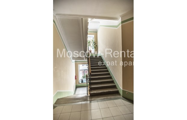 """Photo #17 4-room (3 BR) apartment for <a href=""""http://moscow-rentals.ru/en/articles/long-term-rent"""" target=""""_blank"""">a long-term</a> rent  in Russia, Moscow, Brusov lane, 2/14С4"""