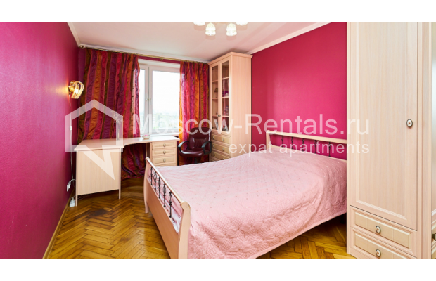 """Photo #6 4-room (3 BR) apartment for <a href=""""http://moscow-rentals.ru/en/articles/long-term-rent"""" target=""""_blank"""">a long-term</a> rent  in Russia, Moscow, Smolenskyi blv, 6-8"""