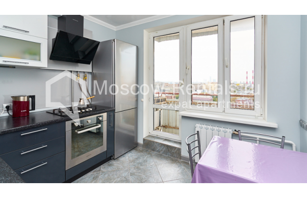"""Photo #2 4-room (3 BR) apartment for <a href=""""http://moscow-rentals.ru/en/articles/long-term-rent"""" target=""""_blank"""">a long-term</a> rent  in Russia, Moscow, Smolenskyi blv, 6-8"""