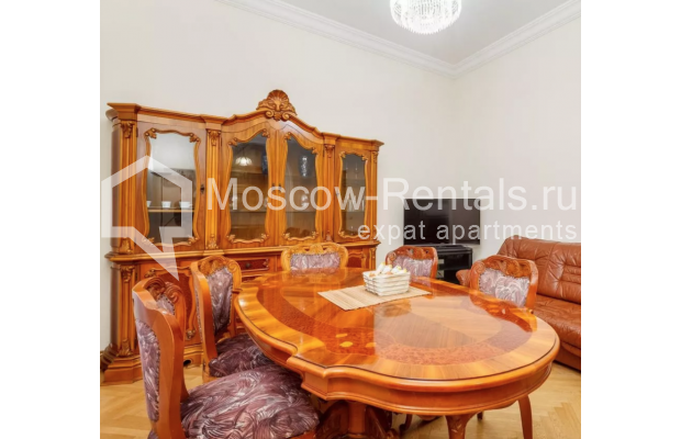 """Photo #5 3-room (2 BR) apartment for <a href=""""http://moscow-rentals.ru/en/articles/long-term-rent"""" target=""""_blank"""">a long-term</a> rent  in Russia, Moscow, New Arbat str, 30/9"""