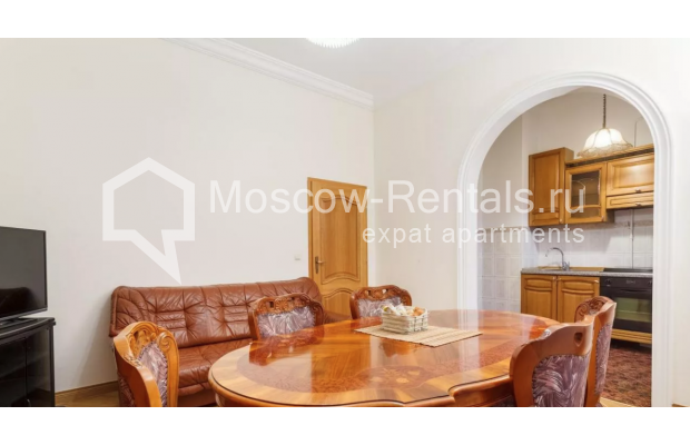 """Photo #6 3-room (2 BR) apartment for <a href=""""http://moscow-rentals.ru/en/articles/long-term-rent"""" target=""""_blank"""">a long-term</a> rent  in Russia, Moscow, New Arbat str, 30/9"""