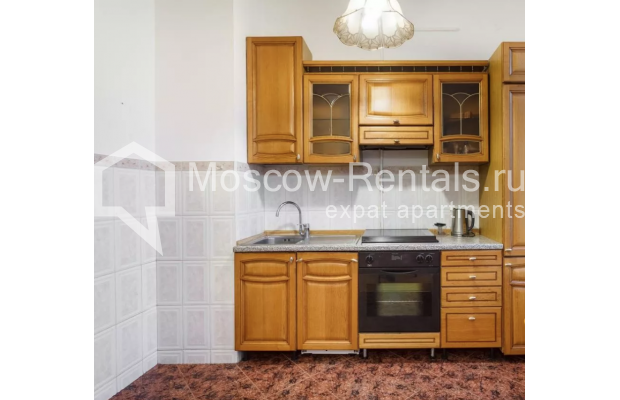 """Photo #7 3-room (2 BR) apartment for <a href=""""http://moscow-rentals.ru/en/articles/long-term-rent"""" target=""""_blank"""">a long-term</a> rent  in Russia, Moscow, New Arbat str, 30/9"""