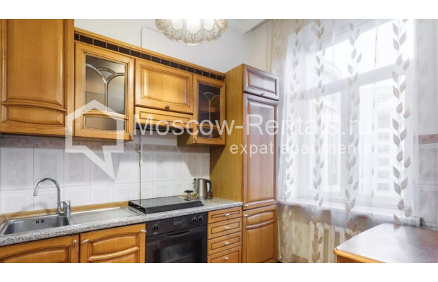 """Photo #8 3-room (2 BR) apartment for <a href=""""http://moscow-rentals.ru/en/articles/long-term-rent"""" target=""""_blank"""">a long-term</a> rent  in Russia, Moscow, New Arbat str, 30/9"""