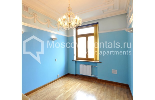 """Photo #9 3-room (2 BR) apartment for <a href=""""http://moscow-rentals.ru/en/articles/long-term-rent"""" target=""""_blank"""">a long-term</a> rent  in Russia, Moscow, Tarasa Shevchenko emb, 1"""