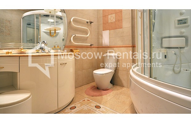 """Photo #13 3-room (2 BR) apartment for <a href=""""http://moscow-rentals.ru/en/articles/long-term-rent"""" target=""""_blank"""">a long-term</a> rent  in Russia, Moscow, Tarasa Shevchenko emb, 1"""
