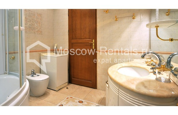 """Photo #14 3-room (2 BR) apartment for <a href=""""http://moscow-rentals.ru/en/articles/long-term-rent"""" target=""""_blank"""">a long-term</a> rent  in Russia, Moscow, Tarasa Shevchenko emb, 1"""
