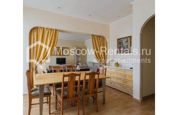 """Photo #1 4-room (3 BR) apartment for <a href=""""http://moscow-rentals.ru/en/articles/long-term-rent"""" target=""""_blank"""">a long-term</a> rent  in Russia, Moscow, Novinskyi lane, 18С1"""