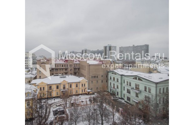 """Photo #17 4-room (3 BR) apartment for <a href=""""http://moscow-rentals.ru/en/articles/long-term-rent"""" target=""""_blank"""">a long-term</a> rent  in Russia, Moscow, Novinskyi lane, 18С1"""