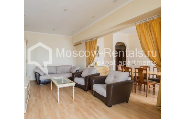 """Photo #2 4-room (3 BR) apartment for <a href=""""http://moscow-rentals.ru/en/articles/long-term-rent"""" target=""""_blank"""">a long-term</a> rent  in Russia, Moscow, Novinskyi lane, 18С1"""