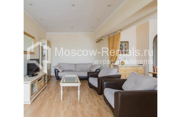 """Photo #4 4-room (3 BR) apartment for <a href=""""http://moscow-rentals.ru/en/articles/long-term-rent"""" target=""""_blank"""">a long-term</a> rent  in Russia, Moscow, Novinskyi lane, 18С1"""