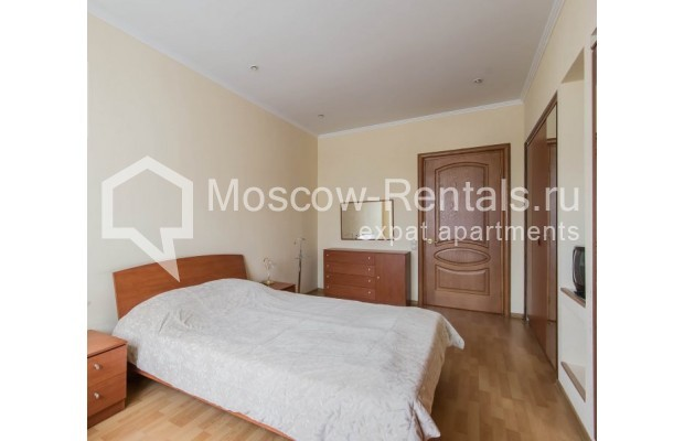 """Photo #11 4-room (3 BR) apartment for <a href=""""http://moscow-rentals.ru/en/articles/long-term-rent"""" target=""""_blank"""">a long-term</a> rent  in Russia, Moscow, Novinskyi lane, 18С1"""