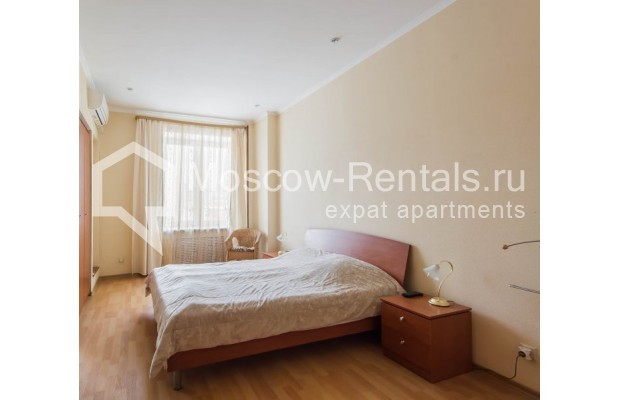 """Photo #10 4-room (3 BR) apartment for <a href=""""http://moscow-rentals.ru/en/articles/long-term-rent"""" target=""""_blank"""">a long-term</a> rent  in Russia, Moscow, Novinskyi lane, 18С1"""