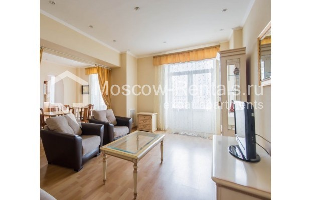 """Photo #7 4-room (3 BR) apartment for <a href=""""http://moscow-rentals.ru/en/articles/long-term-rent"""" target=""""_blank"""">a long-term</a> rent  in Russia, Moscow, Novinskyi lane, 18С1"""