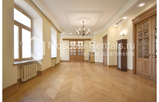 Photo #1 4-room (3 BR) apartment for sale in Russia, Moscow, Sivtsev Vrazhek lane, 44/28
