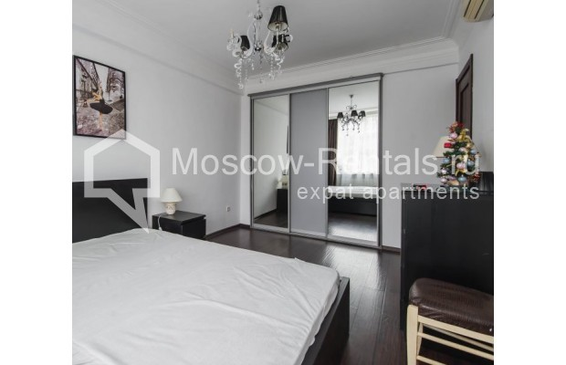 """Photo #10 3-room (2 BR) apartment for <a href=""""http://moscow-rentals.ru/en/articles/long-term-rent"""" target=""""_blank"""">a long-term</a> rent  in Russia, Moscow, New Arbat str, 26"""