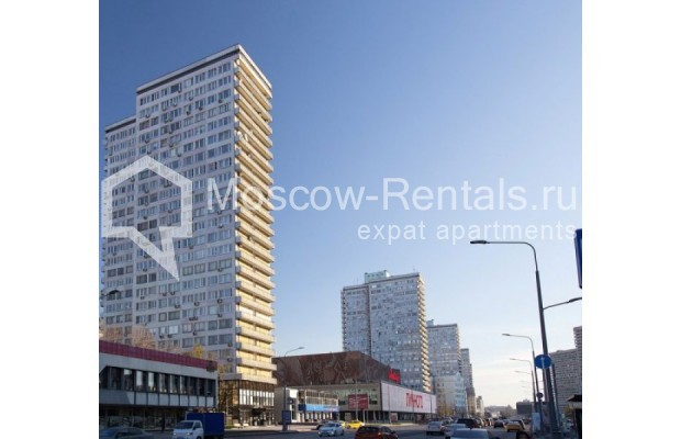 """Photo #16 3-room (2 BR) apartment for <a href=""""http://moscow-rentals.ru/en/articles/long-term-rent"""" target=""""_blank"""">a long-term</a> rent  in Russia, Moscow, New Arbat str, 26"""