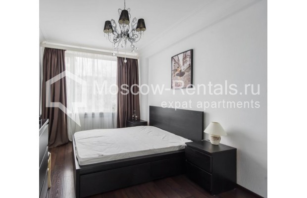 """Photo #9 3-room (2 BR) apartment for <a href=""""http://moscow-rentals.ru/en/articles/long-term-rent"""" target=""""_blank"""">a long-term</a> rent  in Russia, Moscow, New Arbat str, 26"""