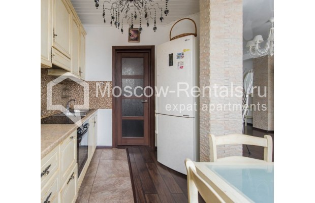 """Photo #5 3-room (2 BR) apartment for <a href=""""http://moscow-rentals.ru/en/articles/long-term-rent"""" target=""""_blank"""">a long-term</a> rent  in Russia, Moscow, New Arbat str, 26"""