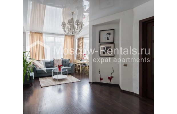 """Photo #6 3-room (2 BR) apartment for <a href=""""http://moscow-rentals.ru/en/articles/long-term-rent"""" target=""""_blank"""">a long-term</a> rent  in Russia, Moscow, New Arbat str, 26"""