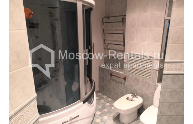 """Photo #12 3-room (2 BR) apartment for <a href=""""http://moscow-rentals.ru/en/articles/long-term-rent"""" target=""""_blank"""">a long-term</a> rent  in Russia, Moscow, Nikitskyi blv, 7Б"""