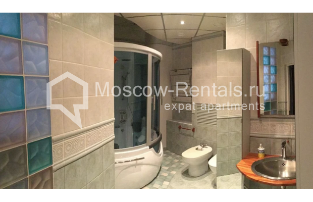 """Photo #13 3-room (2 BR) apartment for <a href=""""http://moscow-rentals.ru/en/articles/long-term-rent"""" target=""""_blank"""">a long-term</a> rent  in Russia, Moscow, Nikitskyi blv, 7Б"""