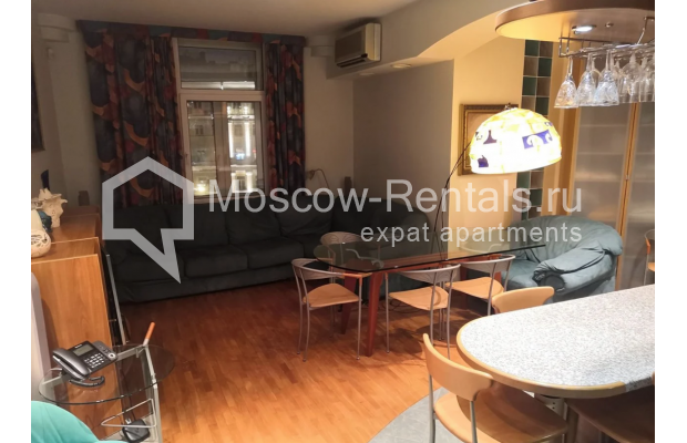 """Photo #7 3-room (2 BR) apartment for <a href=""""http://moscow-rentals.ru/en/articles/long-term-rent"""" target=""""_blank"""">a long-term</a> rent  in Russia, Moscow, Nikitskyi blv, 7Б"""