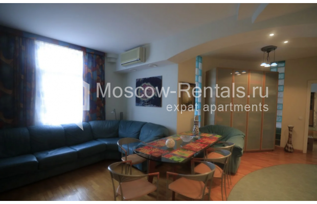 """Photo #3 3-room (2 BR) apartment for <a href=""""http://moscow-rentals.ru/en/articles/long-term-rent"""" target=""""_blank"""">a long-term</a> rent  in Russia, Moscow, Nikitskyi blv, 7Б"""