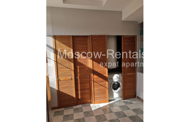 """Photo #16 3-room (2 BR) apartment for <a href=""""http://moscow-rentals.ru/en/articles/long-term-rent"""" target=""""_blank"""">a long-term</a> rent  in Russia, Moscow, Nikitskyi blv, 7Б"""