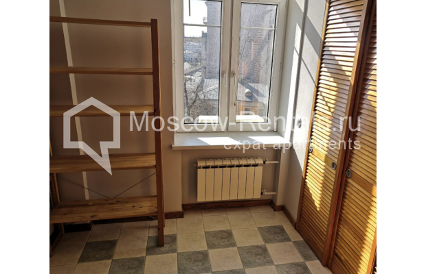 """Photo #17 3-room (2 BR) apartment for <a href=""""http://moscow-rentals.ru/en/articles/long-term-rent"""" target=""""_blank"""">a long-term</a> rent  in Russia, Moscow, Nikitskyi blv, 7Б"""