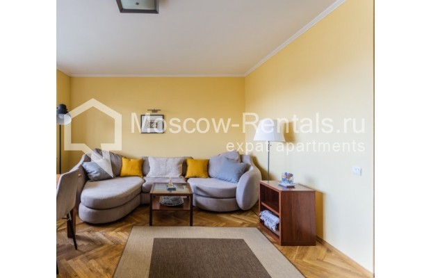 """Photo #3 3-room (2 BR) apartment for <a href=""""http://moscow-rentals.ru/en/articles/long-term-rent"""" target=""""_blank"""">a long-term</a> rent  in Russia, Moscow, Tarasa Shevchenko emb, 3К3"""