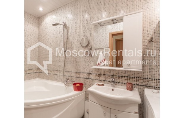 """Photo #11 3-room (2 BR) apartment for <a href=""""http://moscow-rentals.ru/en/articles/long-term-rent"""" target=""""_blank"""">a long-term</a> rent  in Russia, Moscow, Tarasa Shevchenko emb, 3К3"""