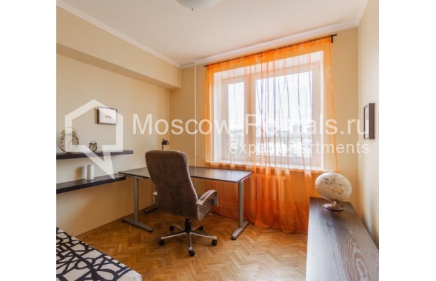 """Photo #8 3-room (2 BR) apartment for <a href=""""http://moscow-rentals.ru/en/articles/long-term-rent"""" target=""""_blank"""">a long-term</a> rent  in Russia, Moscow, Tarasa Shevchenko emb, 3К3"""