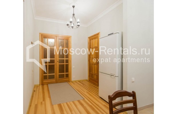 """Photo #6 3-room (2 BR) apartment for <a href=""""http://moscow-rentals.ru/en/articles/long-term-rent"""" target=""""_blank"""">a long-term</a> rent  in Russia, Moscow, Malyi Levshinskyi lane, 14/9С2"""