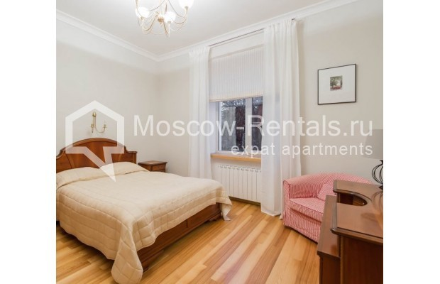 """Photo #8 3-room (2 BR) apartment for <a href=""""http://moscow-rentals.ru/en/articles/long-term-rent"""" target=""""_blank"""">a long-term</a> rent  in Russia, Moscow, Malyi Levshinskyi lane, 14/9С2"""