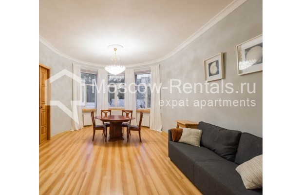"""Photo #1 3-room (2 BR) apartment for <a href=""""http://moscow-rentals.ru/en/articles/long-term-rent"""" target=""""_blank"""">a long-term</a> rent  in Russia, Moscow, Malyi Levshinskyi lane, 14/9С2"""