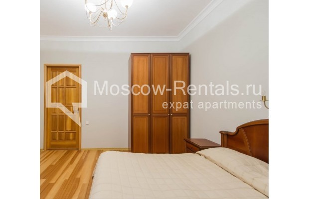"""Photo #9 3-room (2 BR) apartment for <a href=""""http://moscow-rentals.ru/en/articles/long-term-rent"""" target=""""_blank"""">a long-term</a> rent  in Russia, Moscow, Malyi Levshinskyi lane, 14/9С2"""