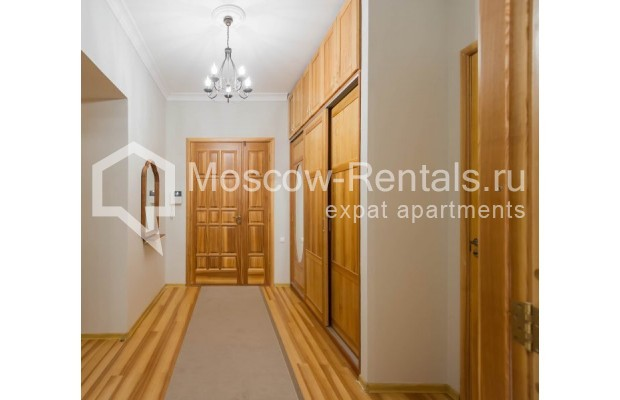"""Photo #13 3-room (2 BR) apartment for <a href=""""http://moscow-rentals.ru/en/articles/long-term-rent"""" target=""""_blank"""">a long-term</a> rent  in Russia, Moscow, Malyi Levshinskyi lane, 14/9С2"""