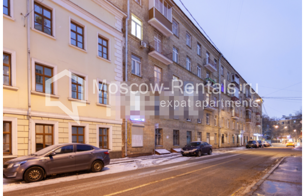 """Photo #18 3-room (2 BR) apartment for <a href=""""http://moscow-rentals.ru/en/articles/long-term-rent"""" target=""""_blank"""">a long-term</a> rent  in Russia, Moscow, B. Levshinskyi lane, 3/5"""