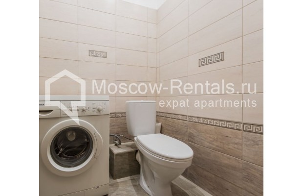 """Photo #13 3-room (2 BR) apartment for <a href=""""http://moscow-rentals.ru/en/articles/long-term-rent"""" target=""""_blank"""">a long-term</a> rent  in Russia, Moscow, Sivtsev Vrazhek lane, 9А"""