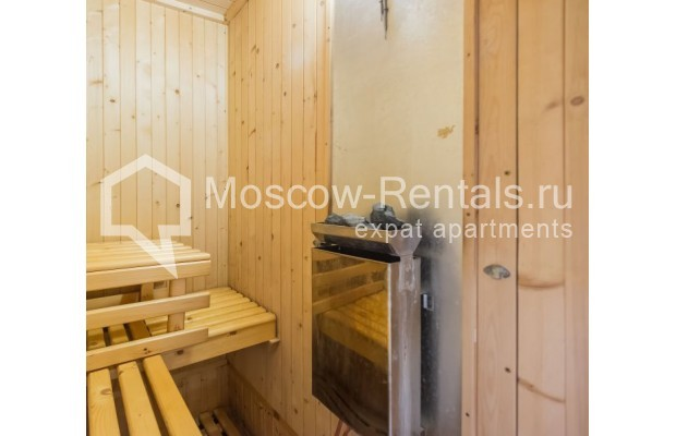 """Photo #13 3-room (2 BR) apartment for <a href=""""http://moscow-rentals.ru/en/articles/long-term-rent"""" target=""""_blank"""">a long-term</a> rent  in Russia, Moscow, Sechenovksyi lane, 9"""