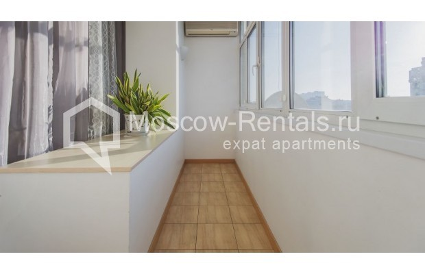 """Photo #10 3-room (2 BR) apartment for <a href=""""http://moscow-rentals.ru/en/articles/long-term-rent"""" target=""""_blank"""">a long-term</a> rent  in Russia, Moscow, Denezhnyi lane, 22"""