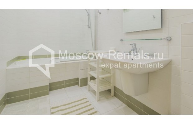 """Photo #12 3-room (2 BR) apartment for <a href=""""http://moscow-rentals.ru/en/articles/long-term-rent"""" target=""""_blank"""">a long-term</a> rent  in Russia, Moscow, Denezhnyi lane, 22"""