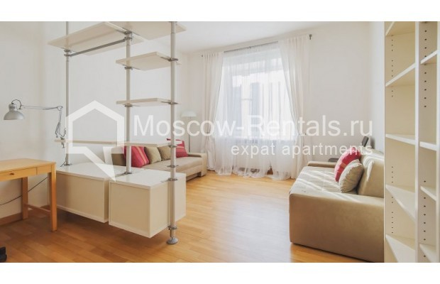 """Photo #6 3-room (2 BR) apartment for <a href=""""http://moscow-rentals.ru/en/articles/long-term-rent"""" target=""""_blank"""">a long-term</a> rent  in Russia, Moscow, Denezhnyi lane, 22"""