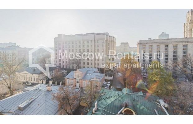 """Photo #16 3-room (2 BR) apartment for <a href=""""http://moscow-rentals.ru/en/articles/long-term-rent"""" target=""""_blank"""">a long-term</a> rent  in Russia, Moscow, Denezhnyi lane, 22"""